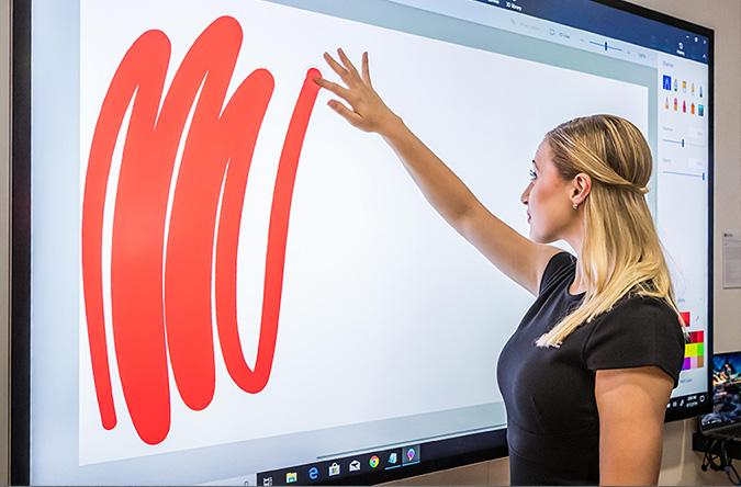 nteraktyvus ekranas nuotoliniam mokymui